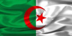 الجزائر تحجب مواقع التواصل الاجتماعى